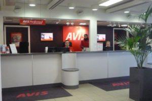 Hyra bil av Avis på Arlanda